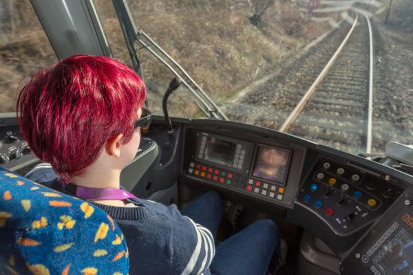 Angélique, conductrice de tram-train - Vue 3