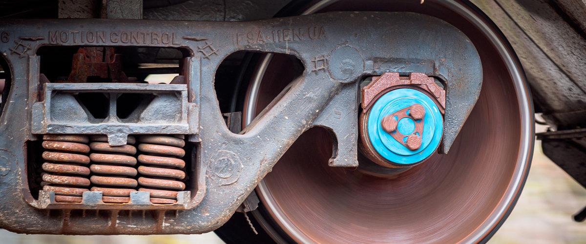 Planche 17 : Détail d'un bogie d'un wagon de marchandise américain (1/60s F4 100ISO). Avril 2009. [Color Efex]