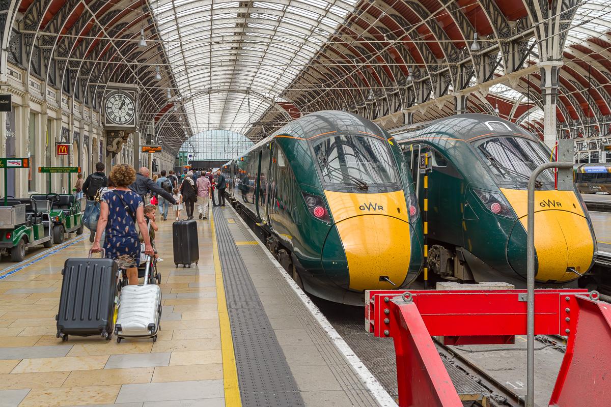 Les class 800 dominent désormais la scène en gare de Paddington, au regret de beaucoup d'amateurs.