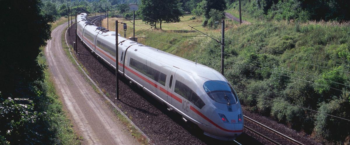 Une rameICE-3M de la DB effectue un parcours d'essai entre Réding et Blainville. Juin 2001.