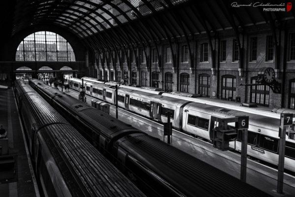 Jeux d'ombres et de lumières en gare de Londres Kings Cross.