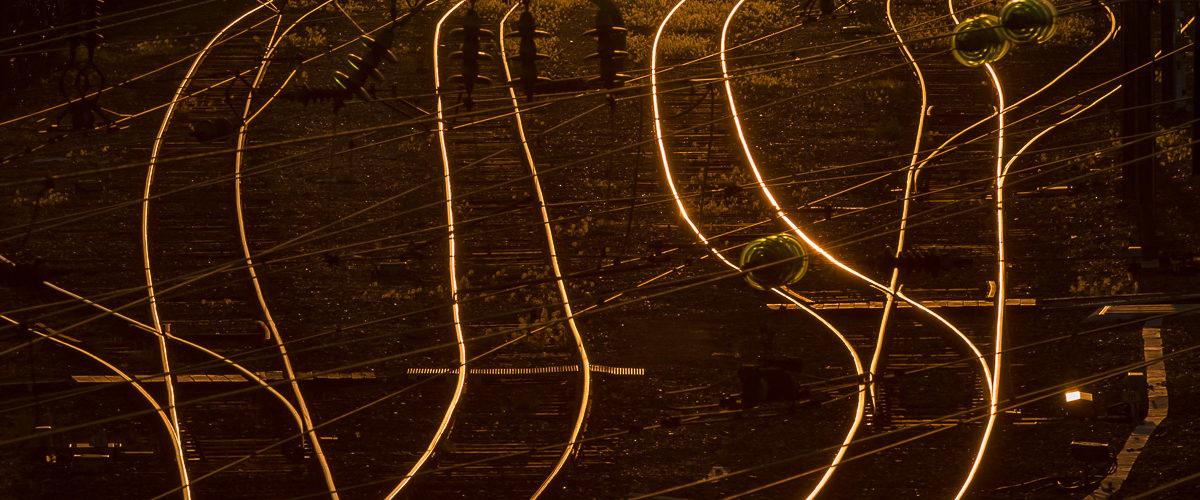 Scène de lignes et de courbes au coucher du soleil. Blainville-Damelevières. 05/2018
