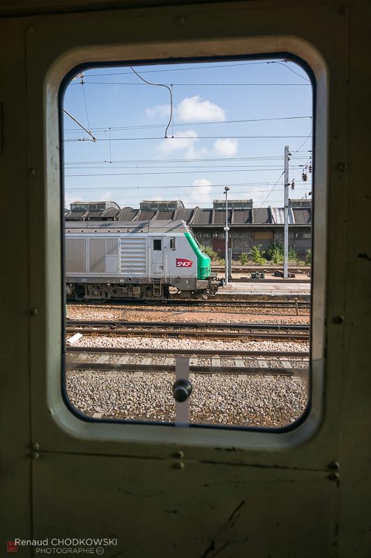 Journée ensoleillée en gare d'Amiens où je profite du passage d'une BB75000.