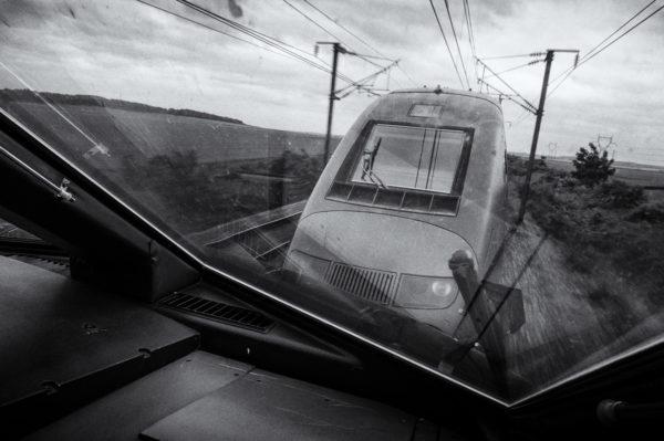 En voyageur pour Bruxelles, je profite de cette vue unique depuis la cabine intermédiaire d'une unité multiple de Thalys